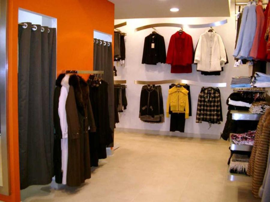 977f943649801 Negozio store Clothing women men uomo abbigliamento donna rBcSY4ra